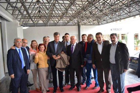 CHP İzmir'de istifalar baş döndürdü