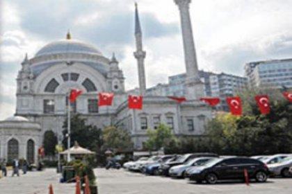 Dolmabahçe Sarayı'ndaki otopark halkı engelliyor