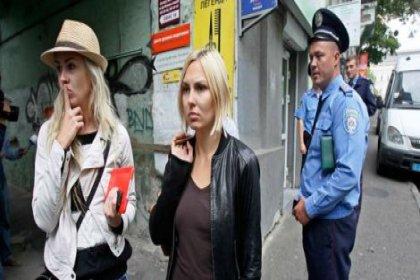 FEMEN'e polis baskını