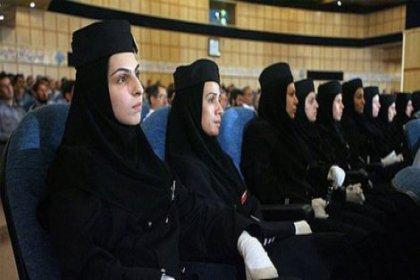 İran'da kadınların aday olması iptal