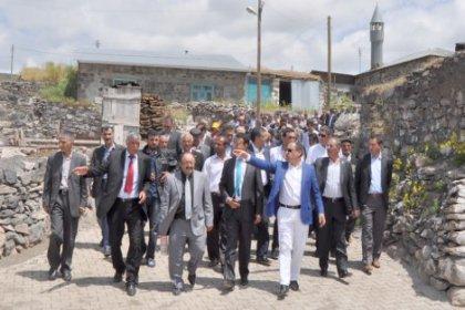 Korkmaz sözünü tuttu: Örnek Köy açıldı