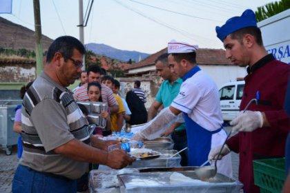 Ramazan'ın manevi heyecanı helvacıda yaşanıyor