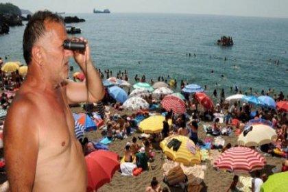 Kadınlar plajında erkek cankurtaran isyanı çıktı