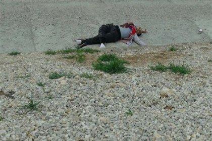 Konya'da bir kadını öldürüp yol kenarına attılar