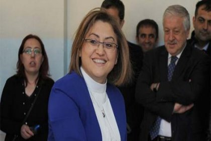 Üç büyükşehir belediyesinde kadın başkan