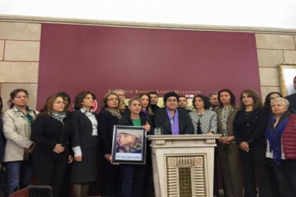 CHP'li Sarıhan: Kadınların mücadelesi sürecek!