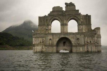 Nehirden 400 yıllık tapınak çıktı