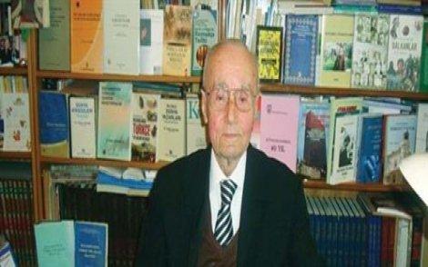 Araştırmacı-yazar Mehmet Türker Acaroğlu yaşamını yitirdi