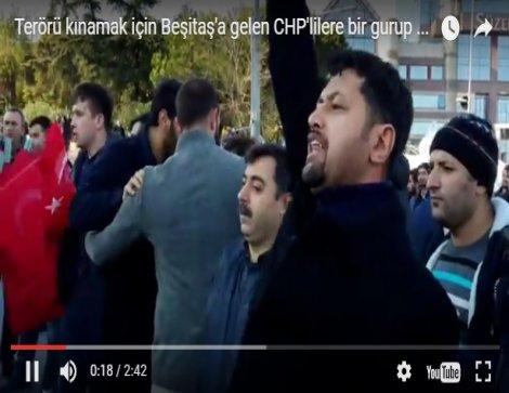 Terörü kınamak için Beşiktaş'a gelen CHP'lilere bir gurup saldırdı