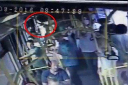 Genç kadın şort giydi diye otobüste saldırıya uğradı