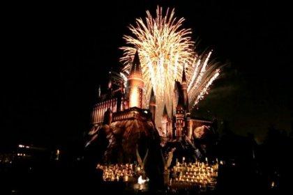 Merakla beklenen Harry Potter parkı açıldı