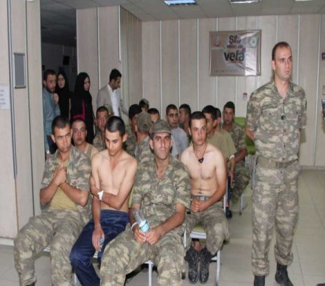AKP'li vekile göre askerlerin zehirlenmesi 'sıcak hava'dan!