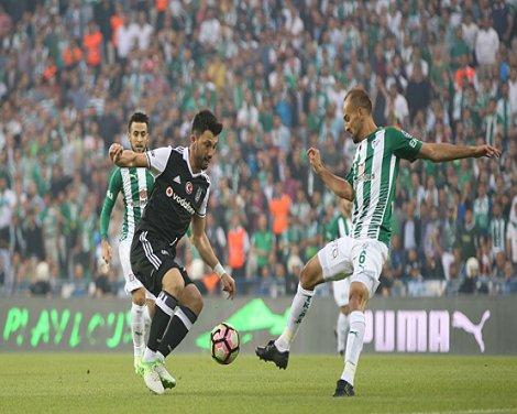 Beşiktaş deplasmanda Bursaspor'u 2-0 yendi