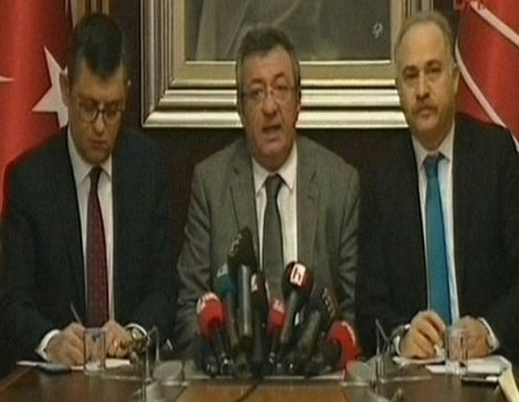 CHP: AKP'nin CHP'lilere saldırması suçluların telaşıdır
