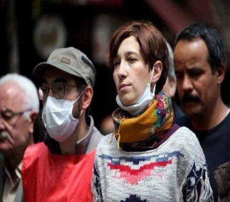 CHP'li Tur Yıldız Biçer Nuriye Gülmen ve Semih Özakça'yı ziyaret etti