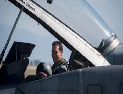 Çipras, Ege'de F-16 ile uçtu