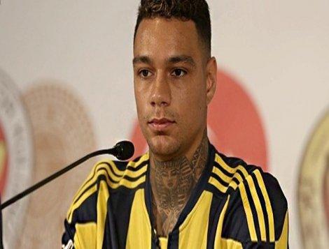 Fenerbahçeli futbolcuyu dolandırdıkları iddia edilen 2 kişi gözaltına alındı