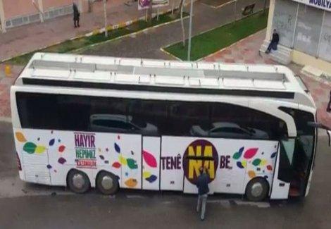 HDP'nin 'hayır' otobüsüne polis el koydu