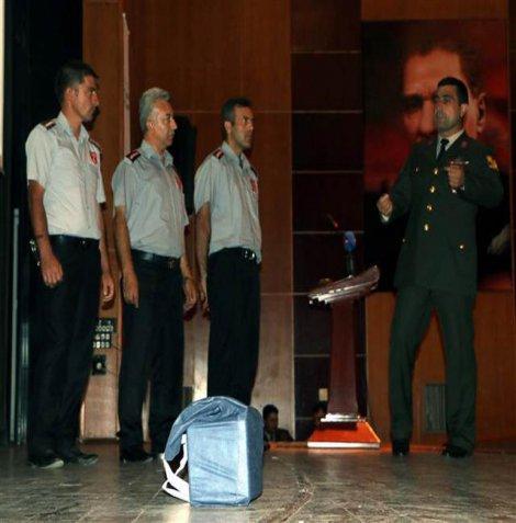 Jandarmadan güvenlik görevlilerine 'Bombacı Mülayim gibi davranmayın' uyarısı
