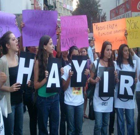 Kadınlardan 'HAYIR' çağrısı: Taslak kadınlar için Orta Çağ demektir