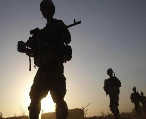 Kayıp askerin cenazesi ayaklarından zincirli halde bulundu