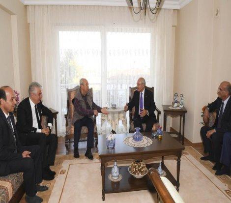Kılıçdaroğlu, eski Devlet Bakanı Mehmet Kocabatmaz'ı ziyaretti