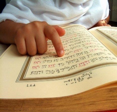 MEB okuma yazma öğretmeden önce Kuran öğretecek!