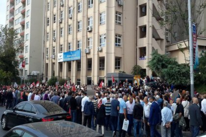 Armutlu halkından Çevre ve Şehircilik İl Müdürlüğü önünde protesto