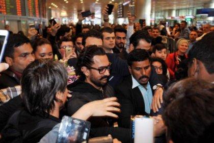 Atatürk Havalimanı'nda Aamir Khan izdihamı