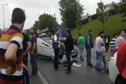 İstanbul'da trafik felç; 10 araç birbirine girdi