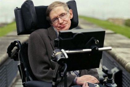 Ünlü isimler Stephen Hawking'in sesi olmak için sıraya girdi