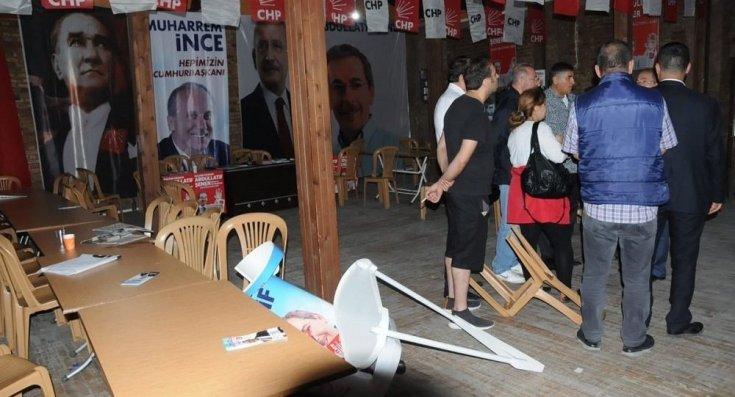 Abdüllatif Şener'in Konya'daki seçim bürosuna saldırı
