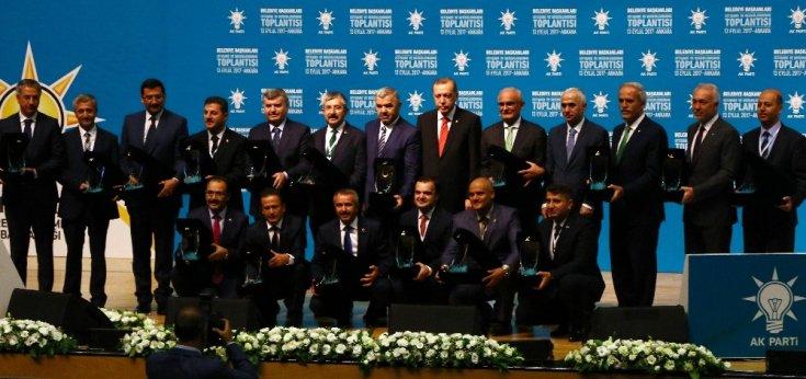 AKP'li belediyeler batakta