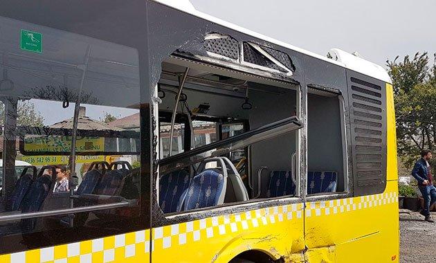Başakşehir'de hafriyat kamyonu İETT otobüsüne çarptı: 6 kişi yaralı