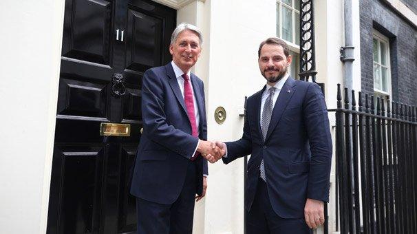 Berat Albayrak Londra'da İngiliz mevkidaşıyla bir araya geldi