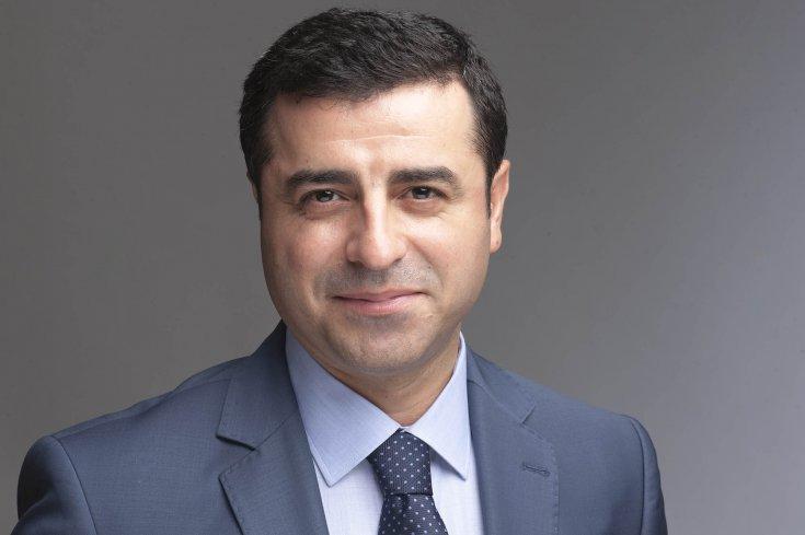 Demirtaş'tan seçilirse HDP'yi kapatacağını söyleyen Perinçek'e: Siz kazanırsanız söz veriyorum, HDP'yi biz kendimiz kapatacağız