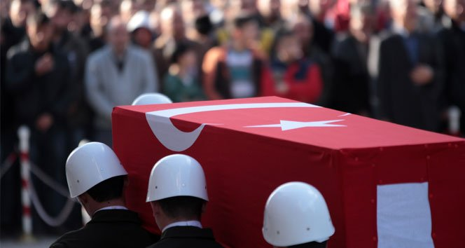 Diyarbakır'da çatışma: 2 şehit, 5 yaralı