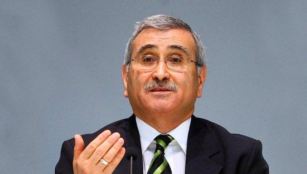 Eski Merkez Bankası Başkanı Durmuş Yılmaz: Dövizdeki dalgalanma bilinçli olarak yapılıyor