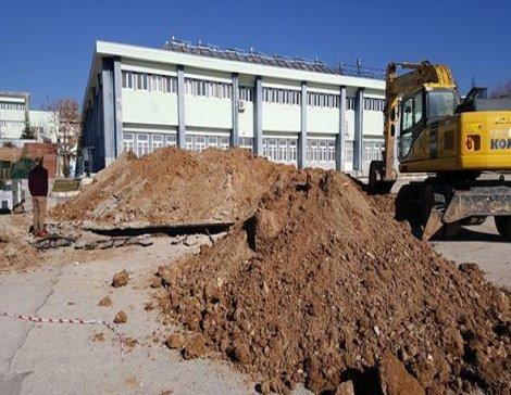 Isparta Süleyman Demirel Üniversitesi'nin kampüsünde göçük: 1 işçi hayatını kaybetti