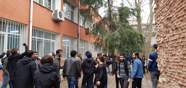 İstanbul Üniversitesi'nde NATO karşıtı öğrencilere saldırı: 3 yaralı, 22 gözaltı