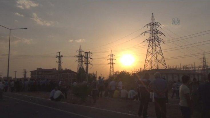 Mardin'de 10 gündür elektrik verilmeyen köy sakinleri: 10 km ötedeki kuyudan su taşıyoruz