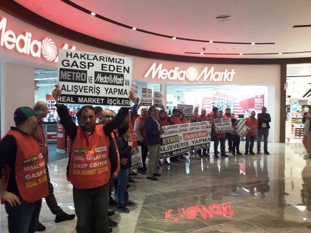 Real Market işçilerinin direnişleri sürüyor