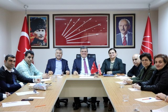 Seyhan Belediye başkanı Zeydan Karalar'dan CHP Adana İl Örgütü'ne ziyaret