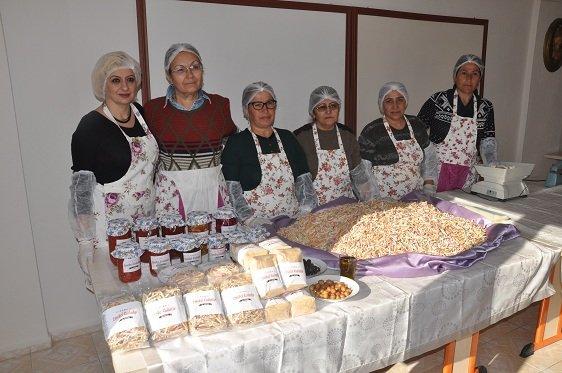 Somalı emekçi kadınların ürettiği nohutlu tarhana ve domates salçası labaratuar ortamında onaylandı