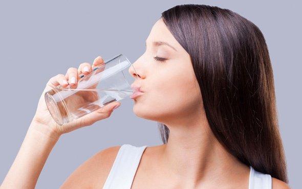 Yazın su içmeyenlerde kalp krizi riski artıyor