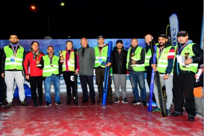 200 olta balıkçısı Beylikdüzü sahilinde yarıştı