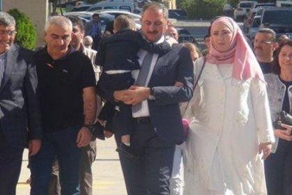 Adalet Bakanı'nın eşi 5 yıllık memurluğunu izinle geçirip Saray'a atandı