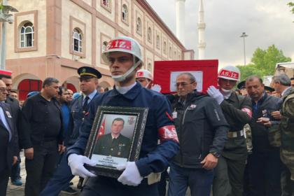 Afrin'de şehit olan Uzman Çavuş Taner Çobanoğlu son yolculuğuna uğurlandı