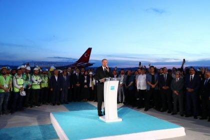 AKP Cumhurbaşkanı adayı Erdoğan Deneme inişi yaptığı 3. Havalimanında konuştu
