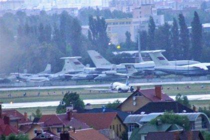 Antalya-Kiev uçağı pistten çıktı, yolcular tahliye edildi